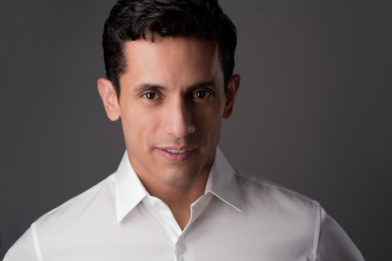 Dr. Carlos Loyola
